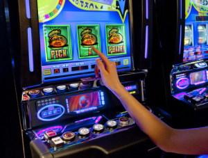 kak-igrat-v-online-casino